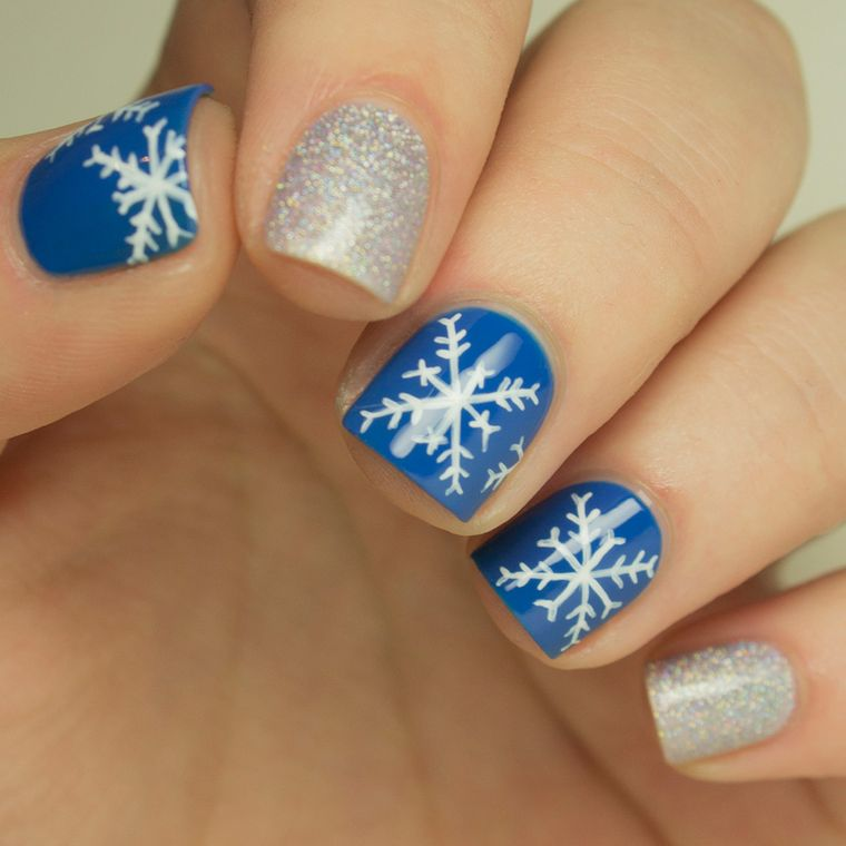 diseños de uñas navideñas copos nieve