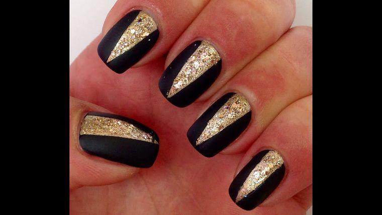 diseños de uñas navideñas elegante
