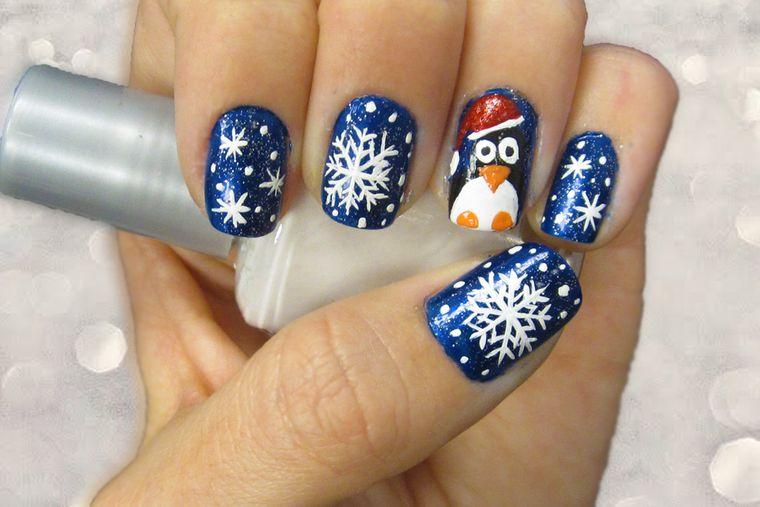 diseños de uñas navideñas en azul