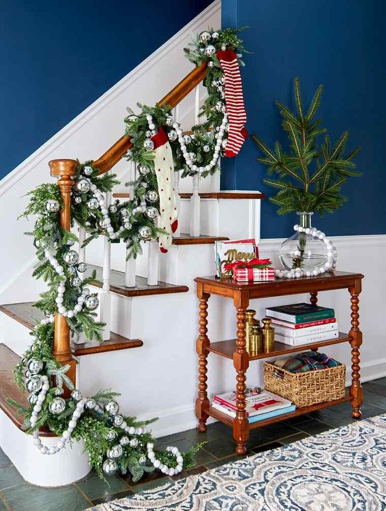 escaleras-decoracion-navidena-ideas