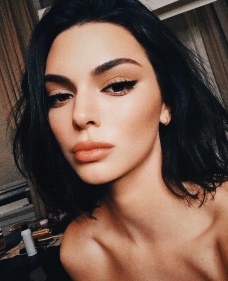 kendal-jenner-maquillaje-simple-moderno-2020