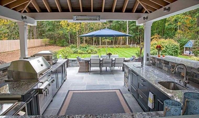 la cocina exterior amplia