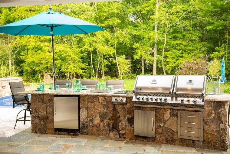 la cocina exterior para disfrute