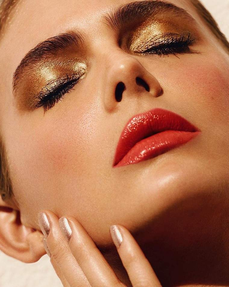 maquillaje-de-nochevieja-2020-color-dorado-ideas