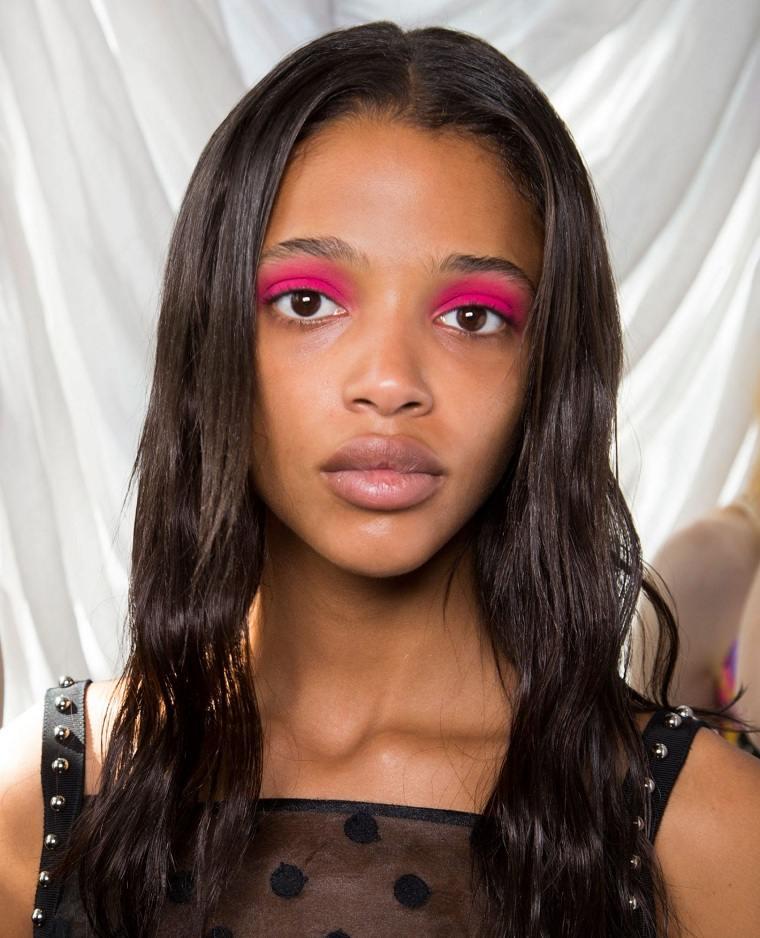 maquillaje-de-nochevieja-2020-color-estilo-rosa