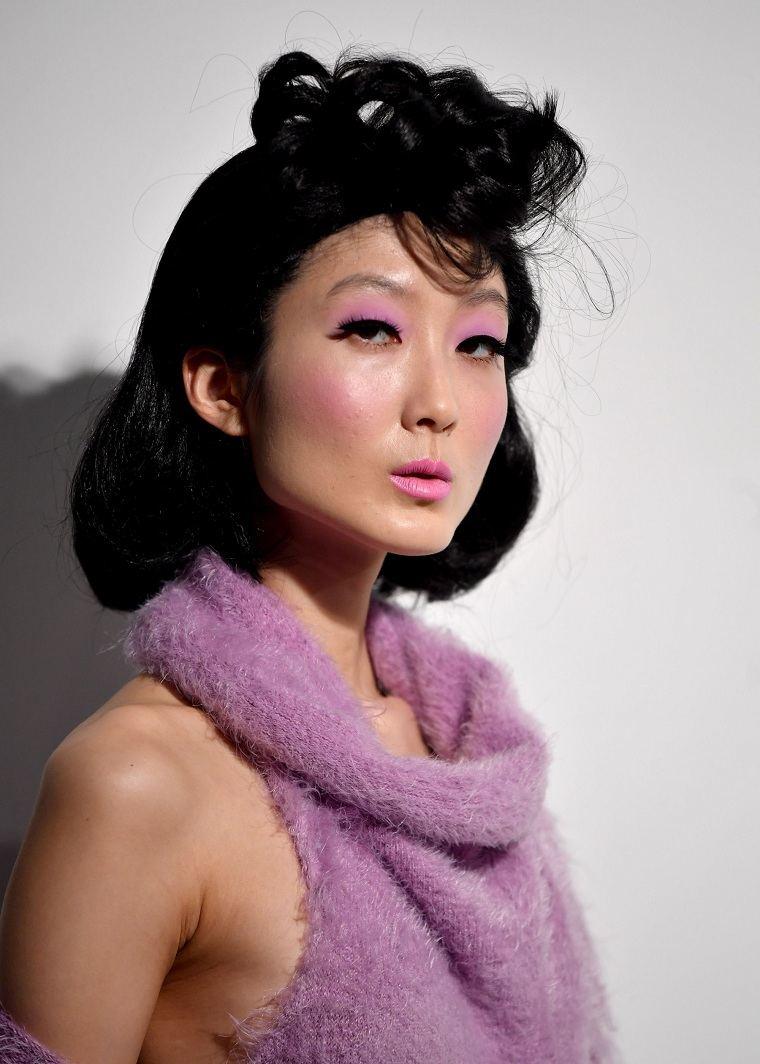 maquillaje nochevieja 2020-color-rosa-raya