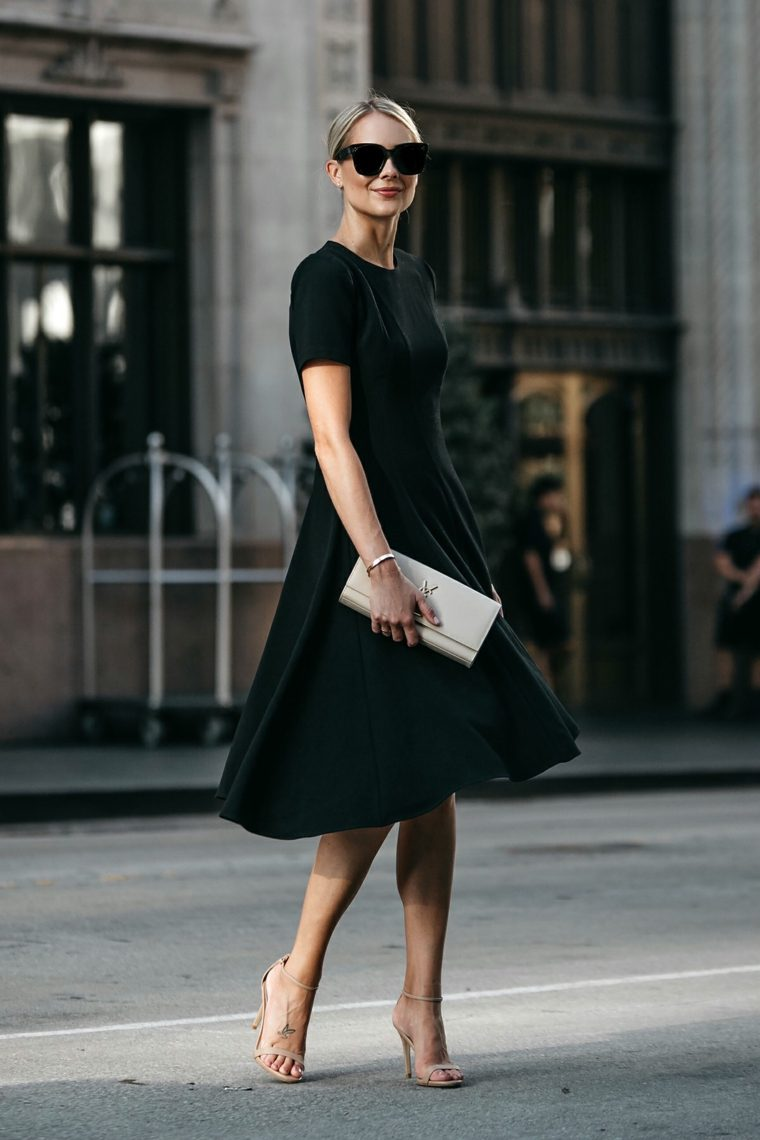 modo-vestido-negro-simple