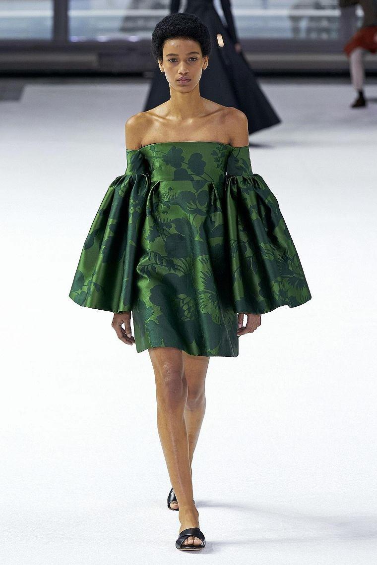 motivos-florales-vestido-Herrera-color-verde