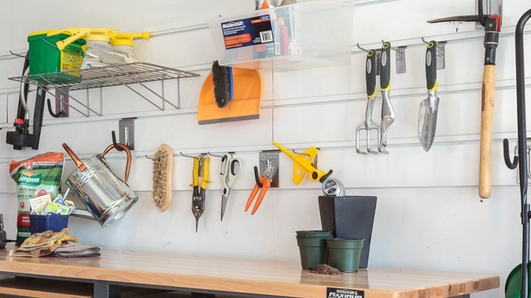 organizar garaje herramientas jardineria
