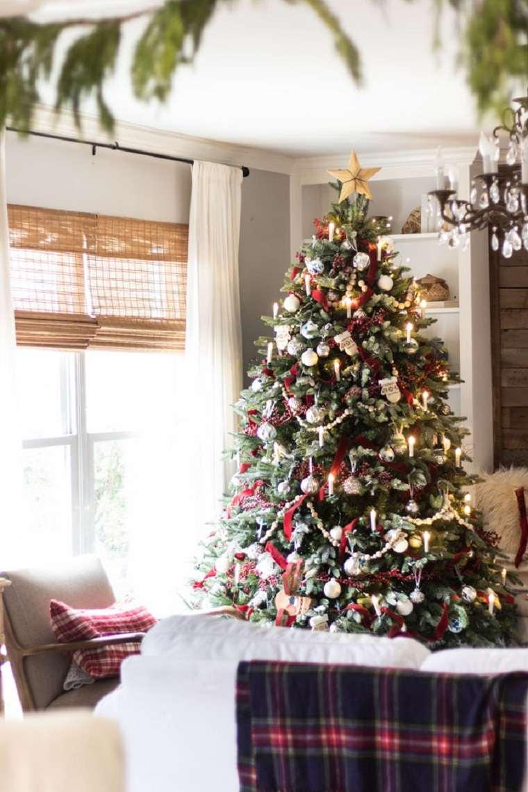 sala-estar-decorada-arbol-navidad