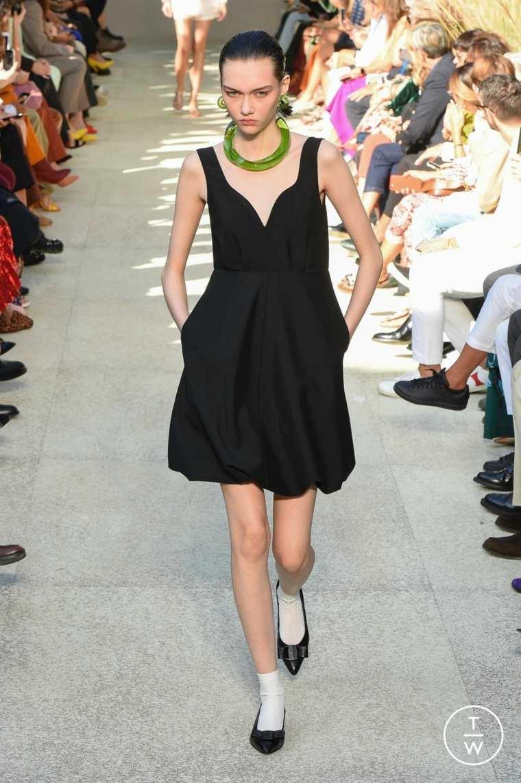 salvatore-ferragamo-vestido-negro