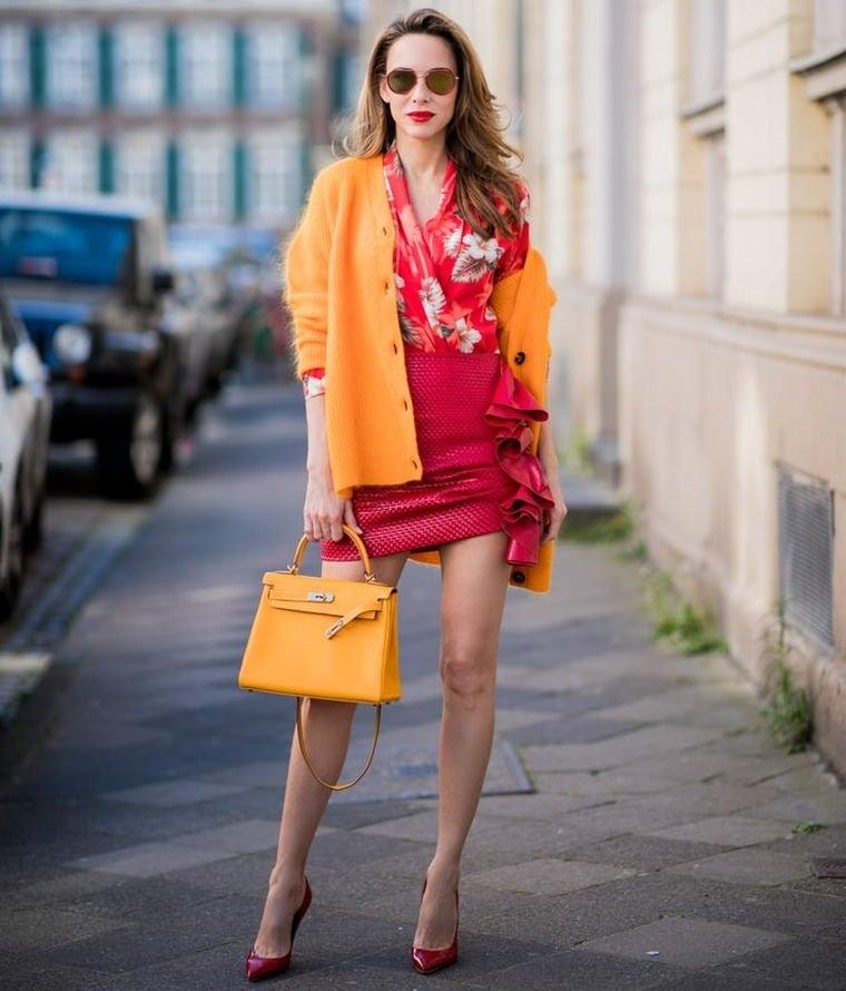 tonos naranja con rojo