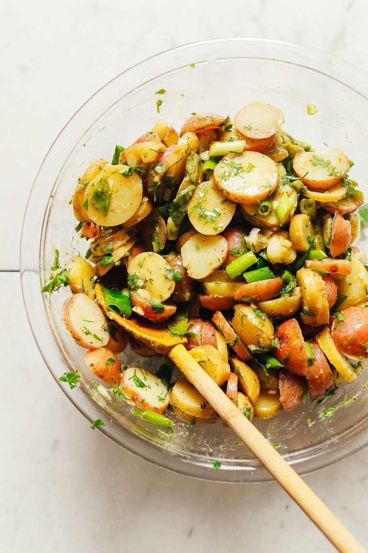 Ensaladas-variadas-calientes-invierno-patatas-ingredietes-consejos