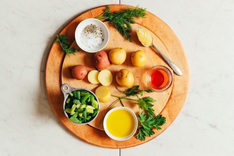 Ensaladas-variadas-calientes-invierno-patatas-ingredietes