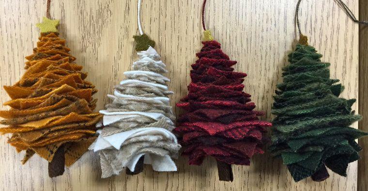 adornos navideños originales arboles fieltro apilado