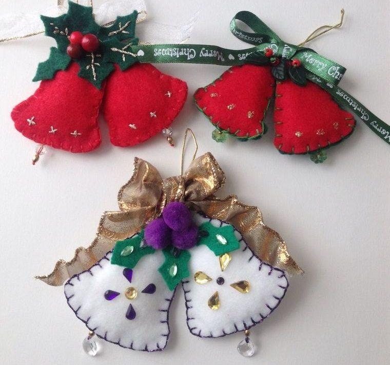 adornos navideños originales de campanas fieltro