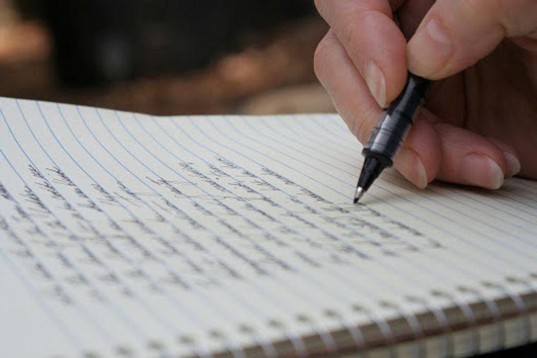 caligrafía espacios entre palabras