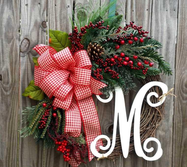 Decoraciones navideñas para puertas coronas