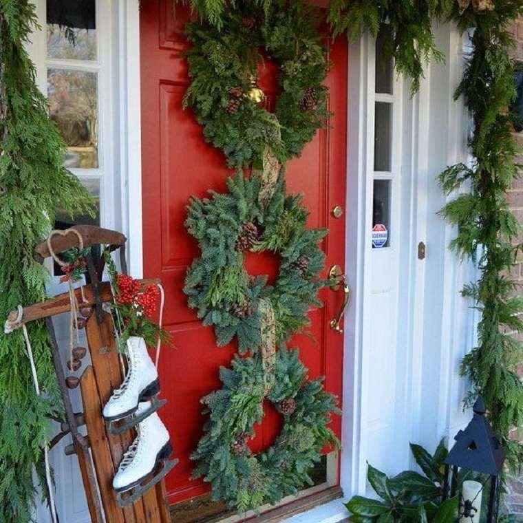 decoraciones-navidenas-para-puertas-varias-coronas