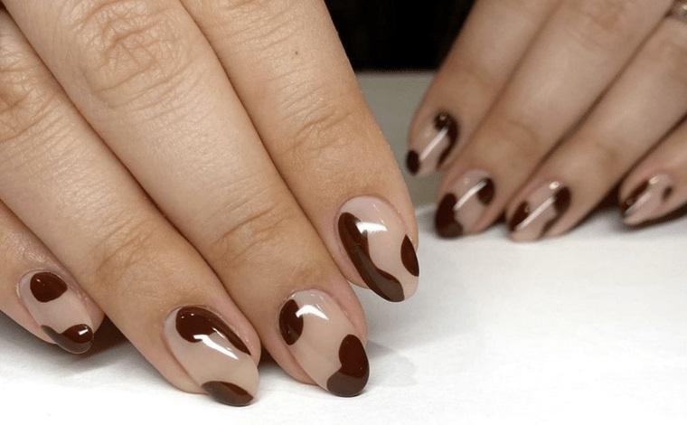 diseño de uñas abstractas 2021