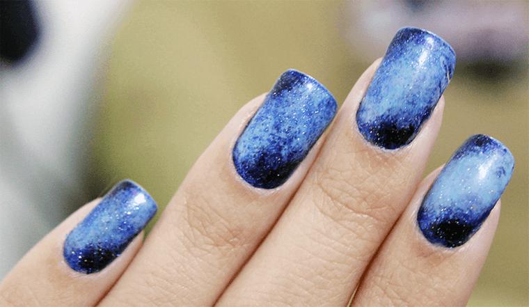 diseño de uñas efecto galaxia 2021