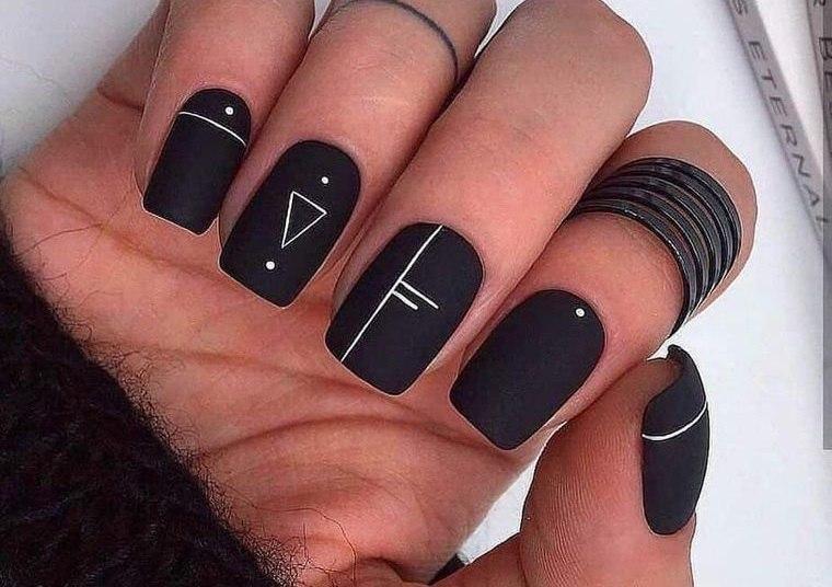 diseño de uñas negro mate 2021