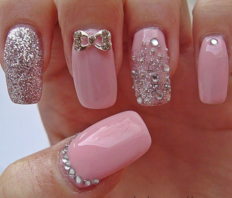 diseño de uñas rosa elegante 2021