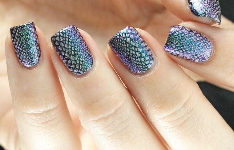 diseño de uñas serpiente 2021