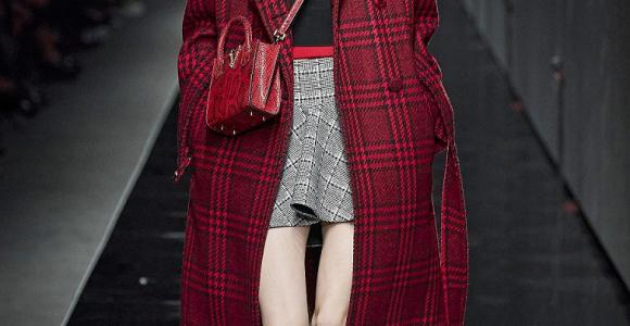 estampado-tartan-consejos-versace-abrigo