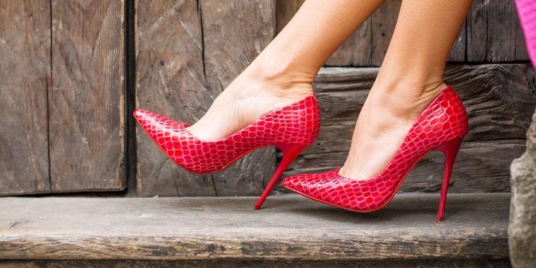 los zapatos altos efectos negativos