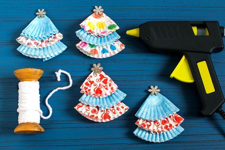 manualidades fáciles mini aboles tazas hornear