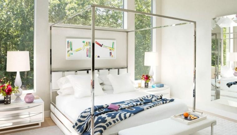 pared-cristal-detras-cama