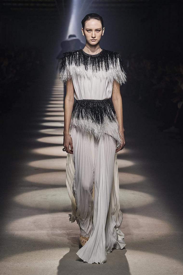 vestido-2020-givenchy-blanco-negro