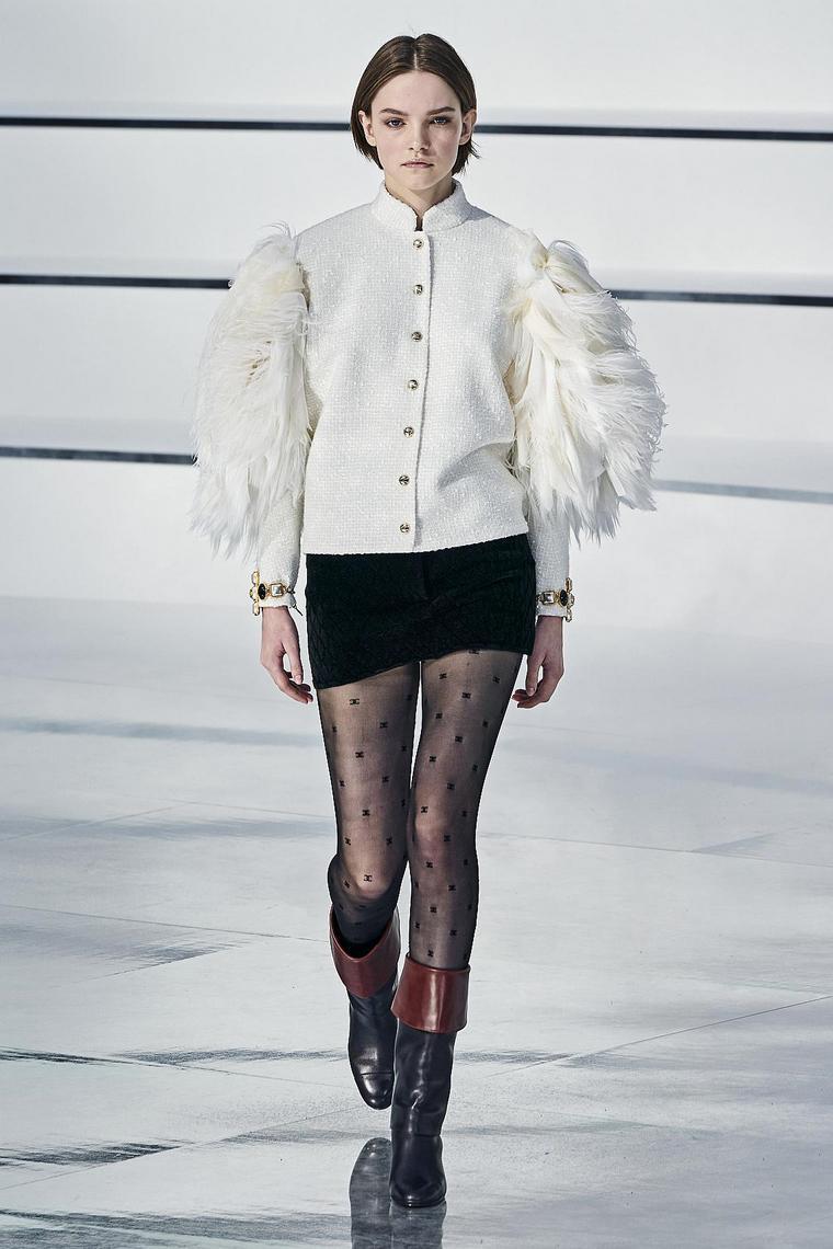 vestidos-fiesta-2020-chanel-diseno