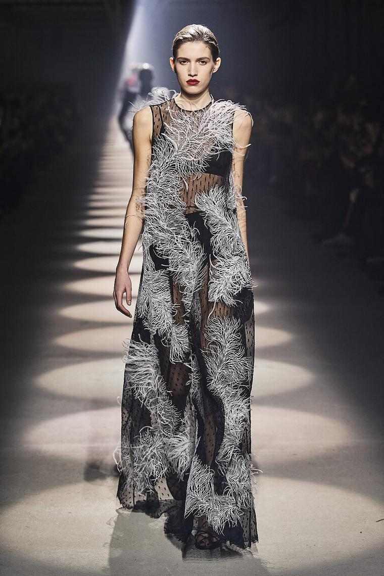 vestidos-fiesta-2020-givenchy-elegantes