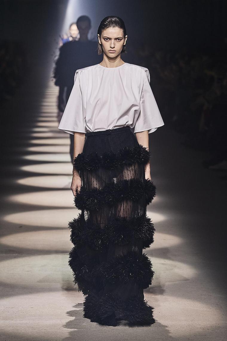 vestidos-fiesta-2020-givenchy-estilo