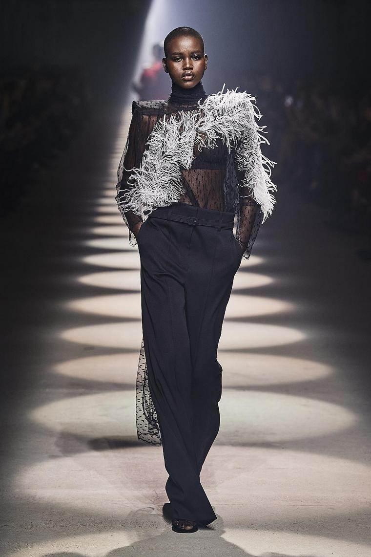 vestidos-fiesta-2020-givenchy-pantalon