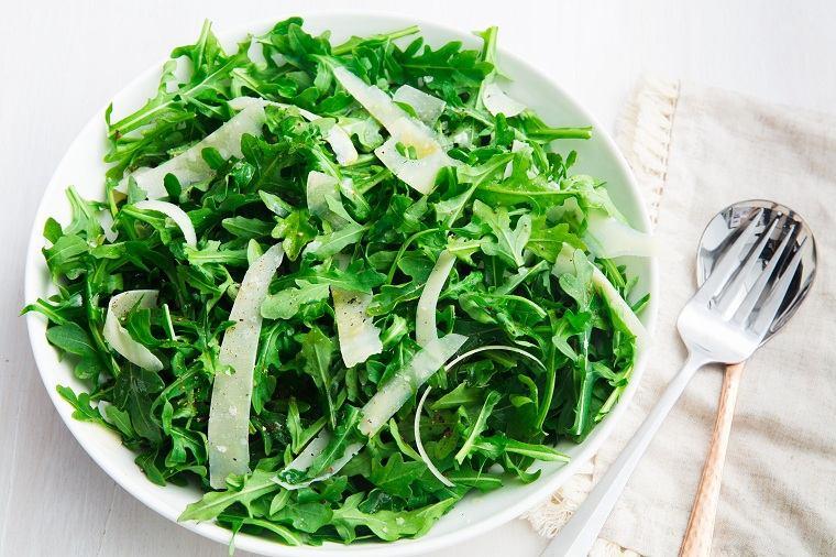 alimentos verdes-beneficios-rucula