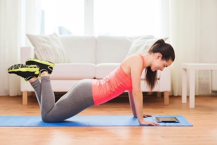 cardio-en-casa-ejercicios-chicas