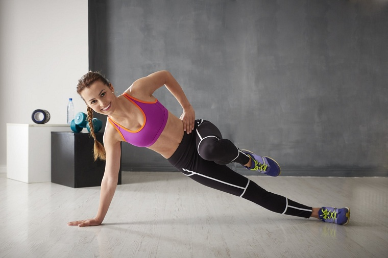 cardio-en-casa-ejercicios-mujer