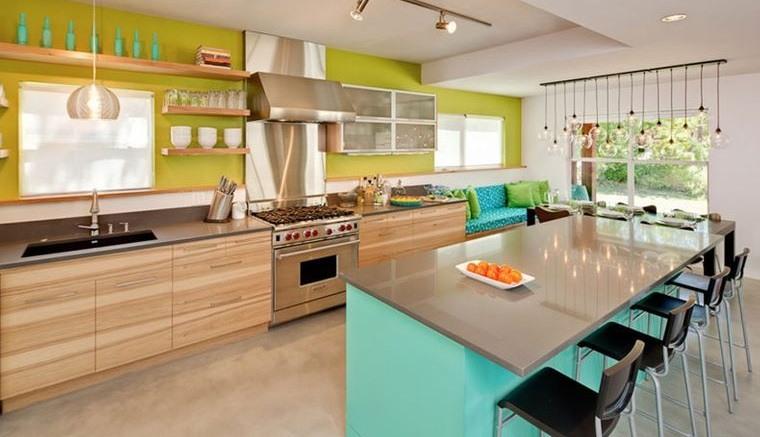cocinas modernas con toques de color