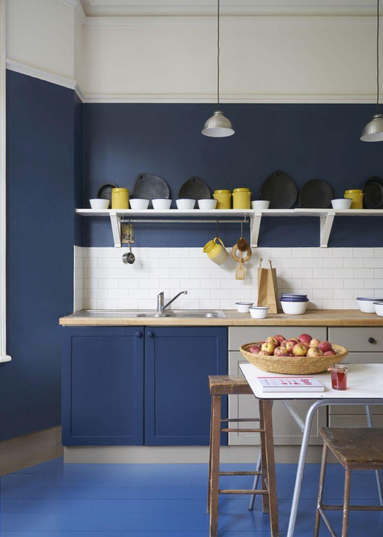 color-azul=cocina-pared-muebles