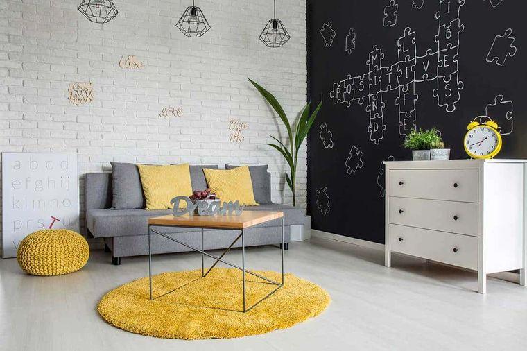 colores amarillo gris en moderna sala de estar