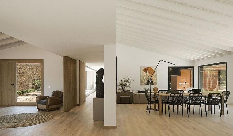 decoración blanco y madera casa españa