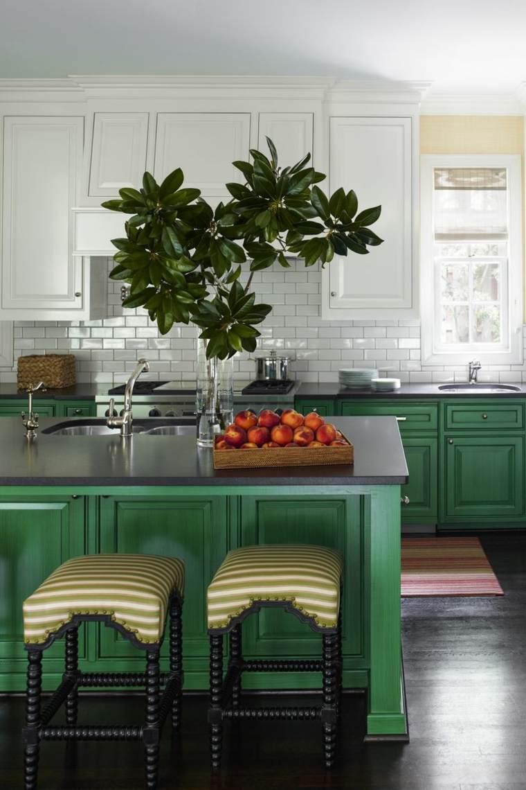 islas-de-cocina-modernas-color-verde-opciones