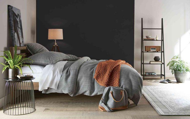 pared-negra-decorar-dormitorio