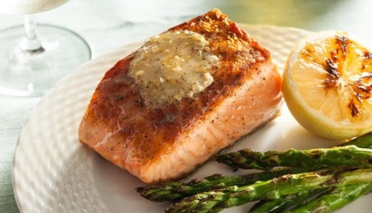cena-san valentín salmon asado citricos