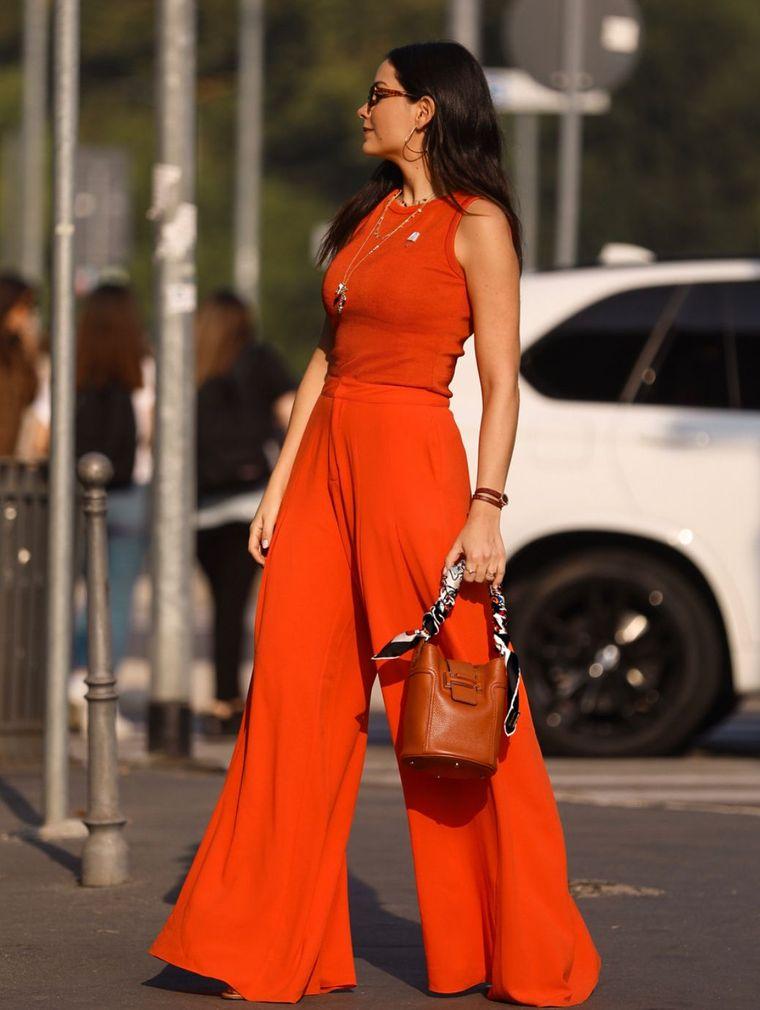 color naranja atuendo completo