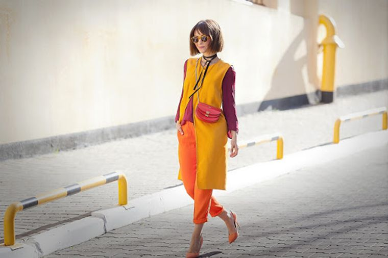 color naranja look audaz