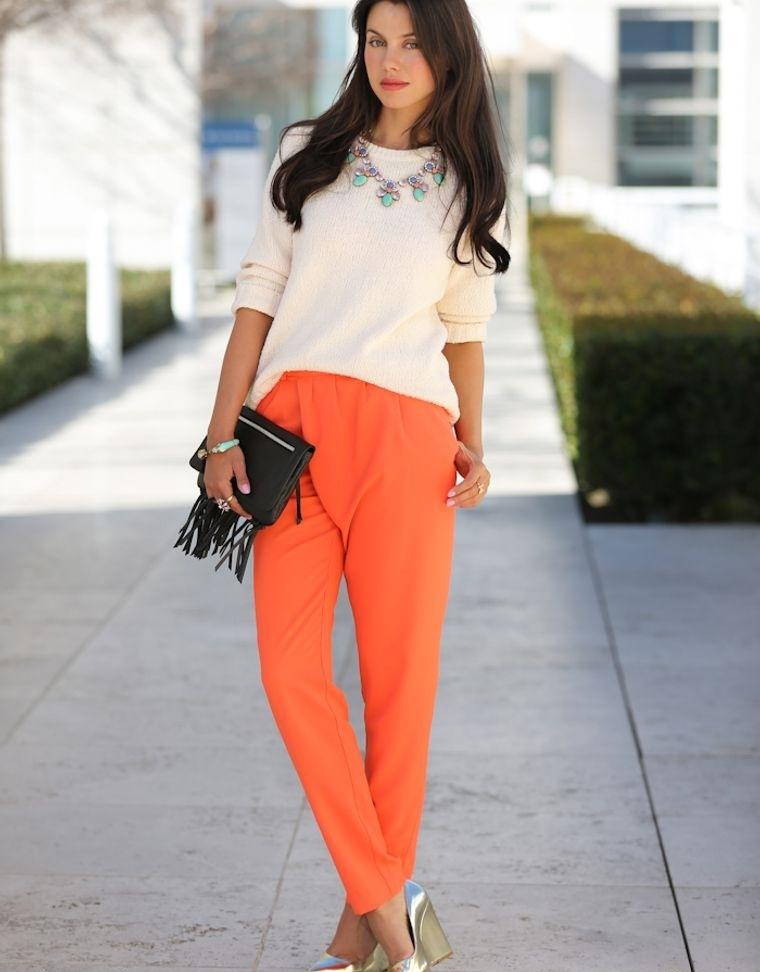 color naranja presente en la moda